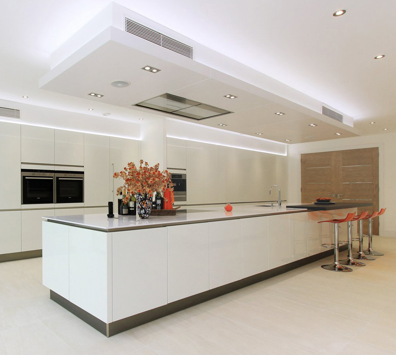 Large Fitted Kitchen Designs