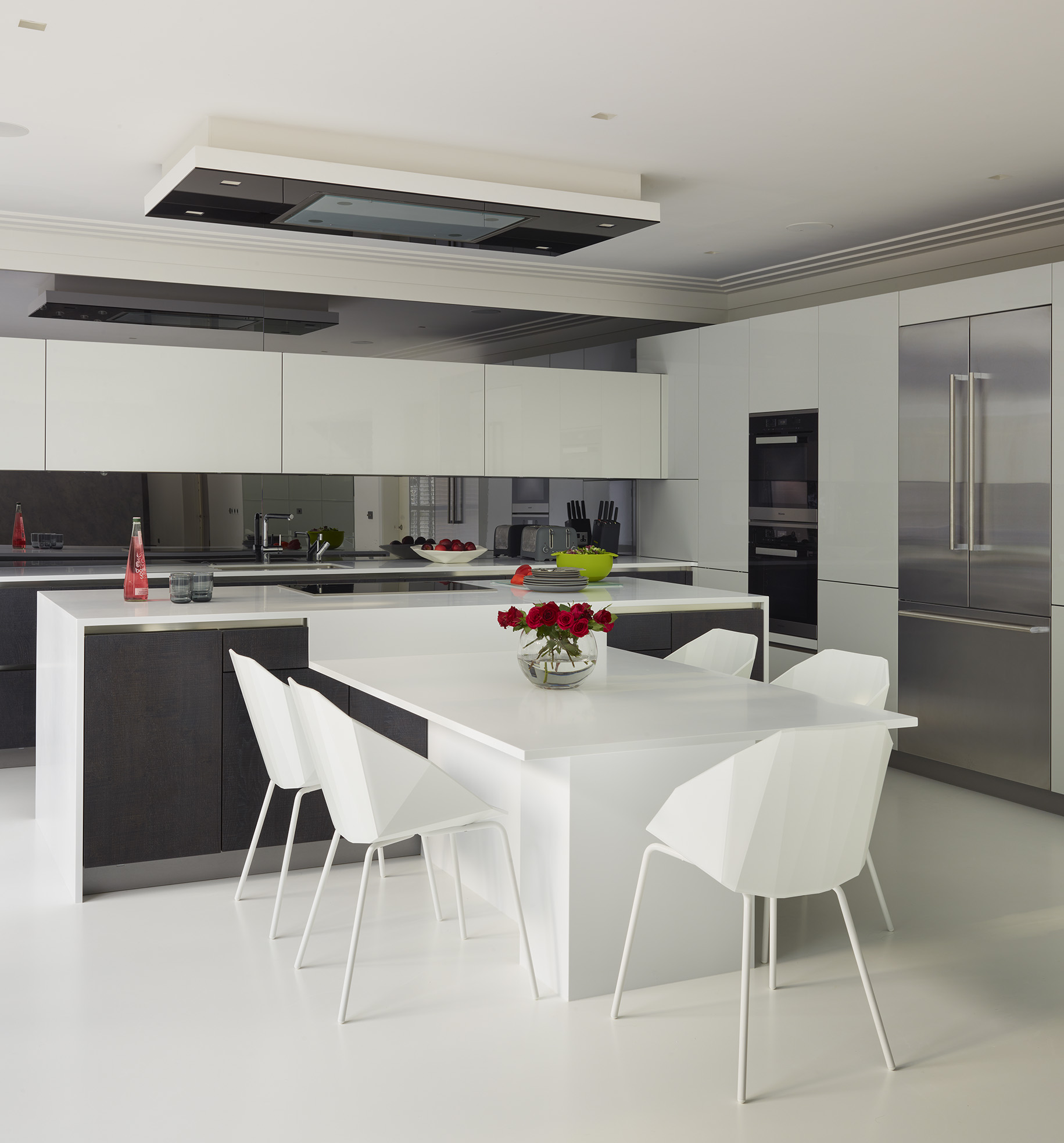 New Modern Kitchens At Neil Lerner: Clutter Free Family Kitchens